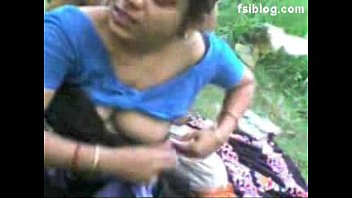 Indian cheating wife enjoys hardcore sex with servant