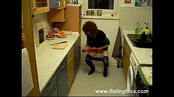 Slutty housewife fucked in the kitchen.Cumming at the same time -Squir7een